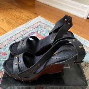 8ef3760159f Colin Stuart Shoes - NWOT Colin Stuart Wedge Heel Sandal